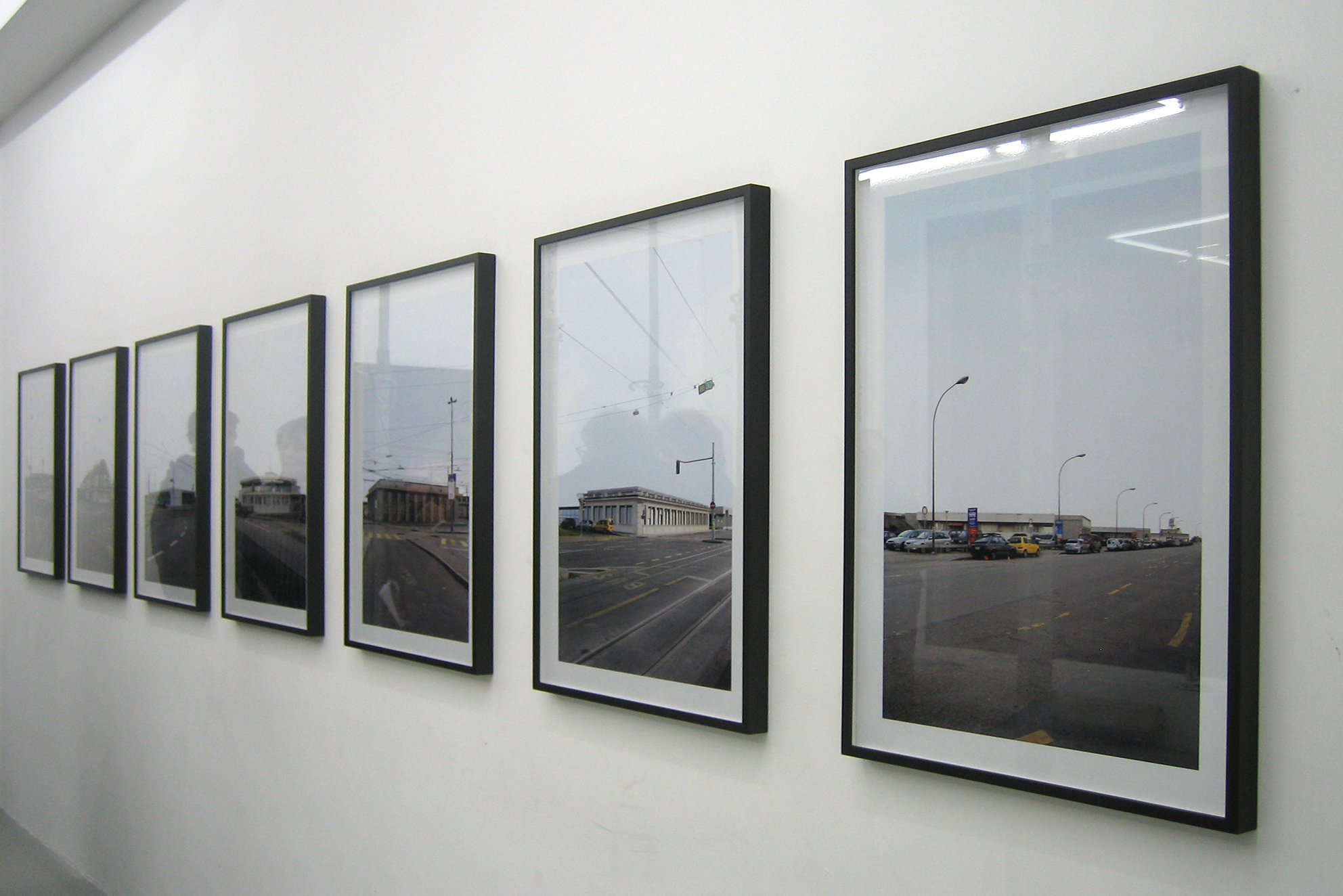 DOWNtown, series of 7 photographs, lambda print / black wooden frame and glass, 84 x 60 x 3 cm, 2008, in collaboration with Swann Thommen