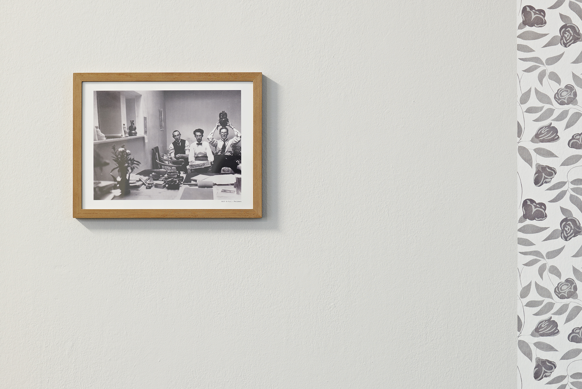 "Hitchcock presents, detail of the video installation, HD, 16/9, 1080p, 6'26"", photograph of Le Corbusier and his brother, 2010, © David Gagnebin-de bons"