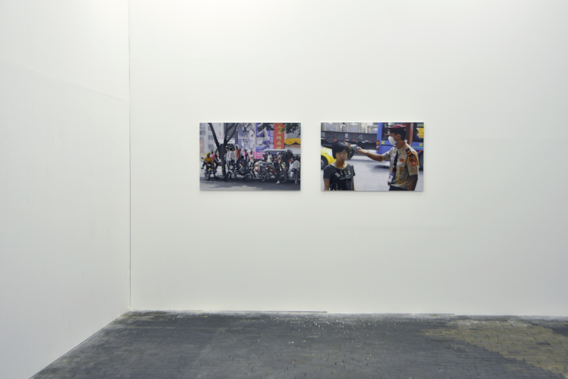 Chongqing, series of 3 photographs, inkjet print / PVC and Plexiglas, 67 x 100 x 1 cm, 2010, in collaboration with Swann Thommen